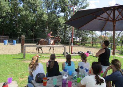 Ivo Bols demonstreert paardrijden
